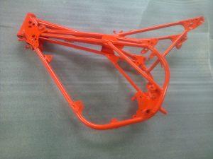 Rénovation d'un cadre de moto Projetcolor